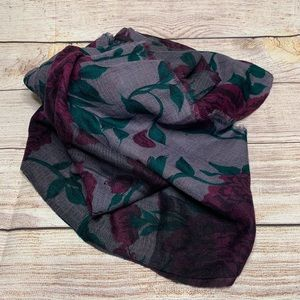 NWOT Cashmere Pashmina with Roses